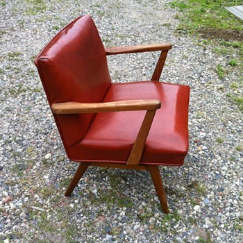Help Me - Tell me if you know anything abut these chairs - Furniture