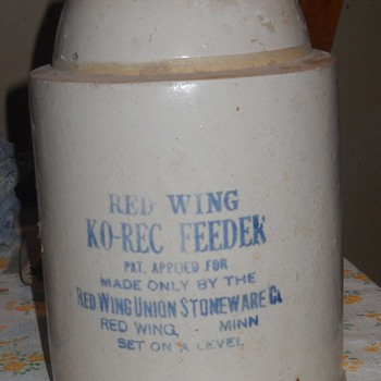 Red Wing Chicken Feeder
