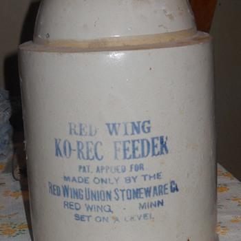 Red Wing Chicken Feeder