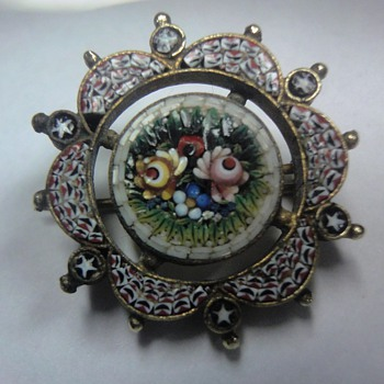 Little Micro Mosaic gilt silver brooch