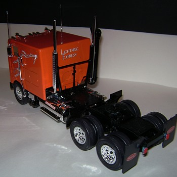 Semi Trucks - Model Cars