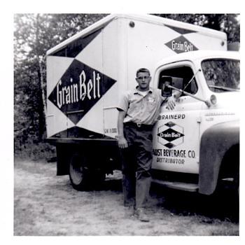 Grain Belt truck! - Breweriana