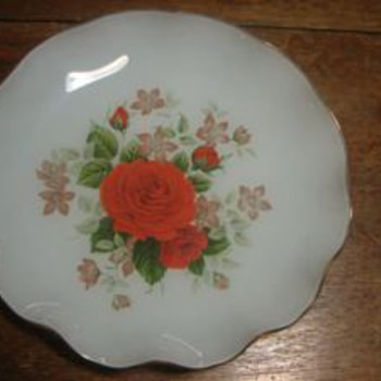 My Mystery Frosted Reverse Painted Gold Trimmed Ruffled Plate