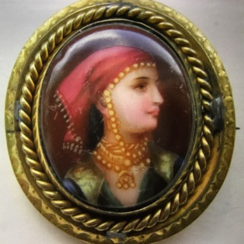 Mourning Painted Porcelian Gypsy Girl Swivel Brooch - Victorian Era