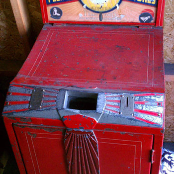 Vintage/Antique Vaudoscope Need more info - Coin Operated