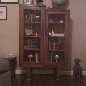 Book case? Curio?  - Furniture