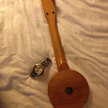 TOY BANJO or is it a BANJO UKE ?? - Guitars