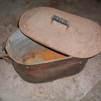 Copper wash bin very old