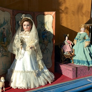 Antique French Dolls, Shop Windows, Rue de Vaugirard, Paris - Dolls