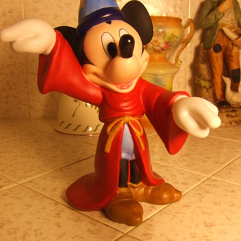 Mickey Mouse As The Wizard - Animals