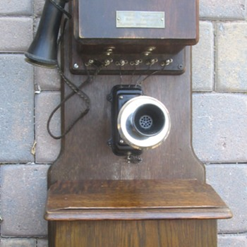 Old Chicago Phone - Telephones
