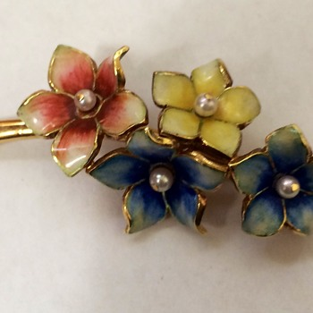 Vintage Gold Enameled Flower Pin - Fine Jewelry