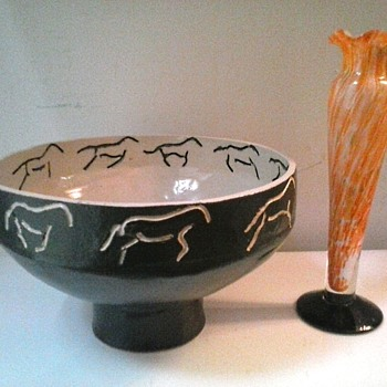 Chinese Ceramic Bowl With Incised Horses /Japanese Spatter Glass Bud Vase/Unknown Age and Makers