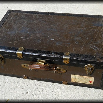 METAL SUITCASE LUGGAGE TRUNK - ( 2 OF 3 )