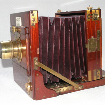Horne, Thornthwaite and Wood Tailboard Camera, 1886. - Cameras