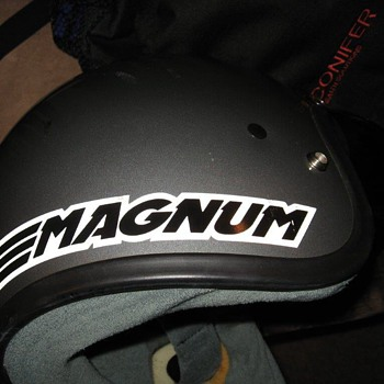 BELL MAGNUM LTD 1985 model Snell Dot Approved SHCA APPROVED - Motorcycles