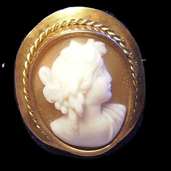 CAMEO  --- Antique - Fine Jewelry