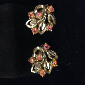 Gold Tone and rhinestone clip earrings