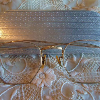 Thrift store Reading Glasses! $4.50  And I use them! 12k GF! cool aluminum case!!