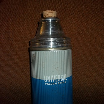 Vintage thermos bottle/cups