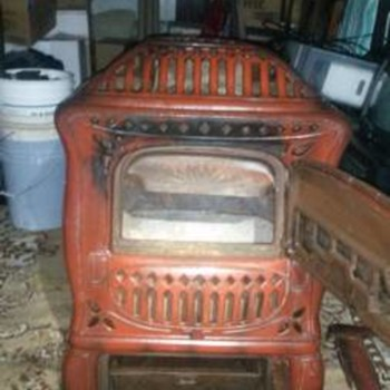 "Parlor Stove, made by the Wehrle Co. of Newark, Ohio - model ""Golden Age 172"" - Kitchen"