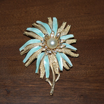 Large Corocraft Vintage Brooch - Costume Jewelry