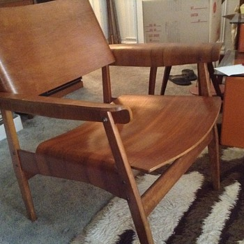 Need help identifying this bentwood chair