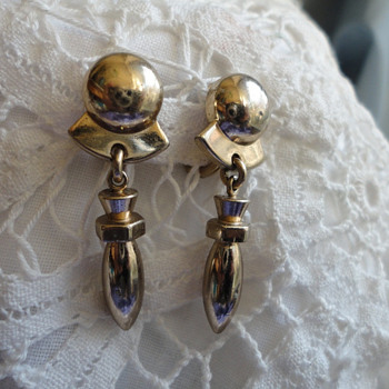 Monet modernist bullet earrings goldtone - Costume Jewelry