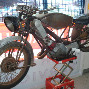 1933 Scott Flying Squirrel - Motorcycles