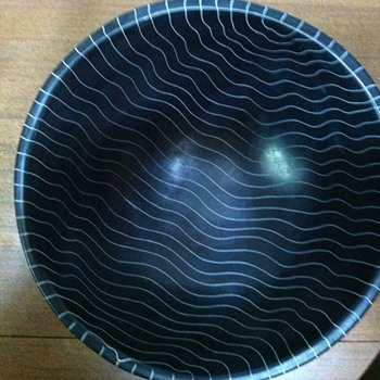 Mystery bowl - Art Pottery