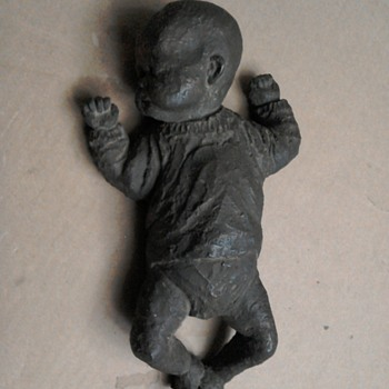Could anyone tell me about this baby figure - Dolls