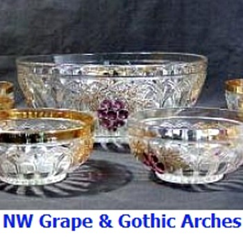 Northwood Grape & Gothic Arches Berry Set - Glassware