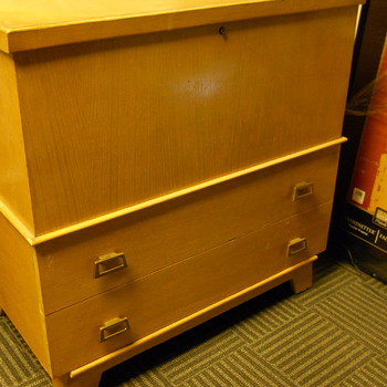 Heirloom Cedar Chest,Circa 1960 - Furniture