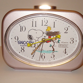 "SNOOPY AND WOODSTOCK CITIZEN QUARTS/ JAPAN  ALARM CLOCK. ""BOUGHT FOR GRANDAUGHTER"""