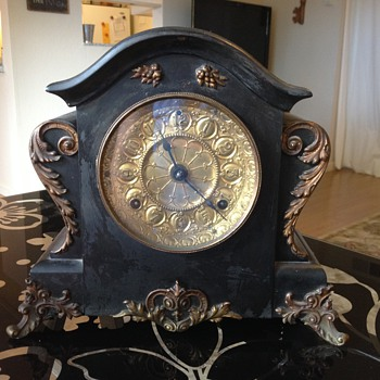 Seth Thomas Clock, Not Sure of Date or History - Clocks