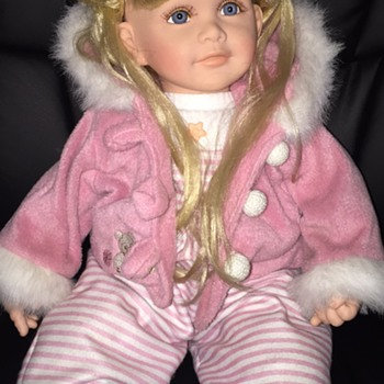Need help identifying doll!