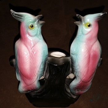 Who made my gorgeous art deco bird vase?