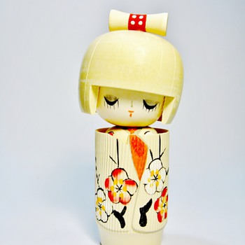 "KOKESHI DOLL ""UNSIGNED"" - Dolls"