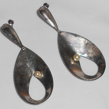 TAXCO Antonio Pineda crown mark silver earrings