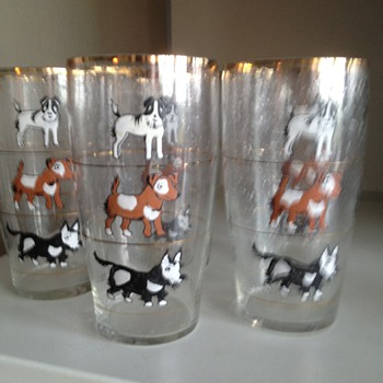 Dog decorated drinking glasses