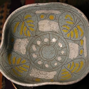Italian Midcentury Bowl - Art Pottery
