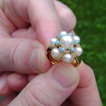 Avon Ring - Lustre - Costume Jewelry