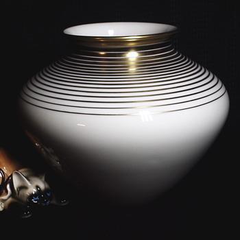 "Fürstenberg Porcelain Vase""GERMANY"", 20 century - China and Dinnerware"