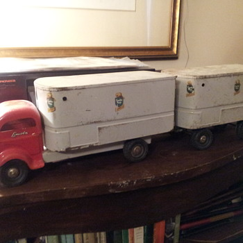 Canadian Pacific CP Express Freight Delivery  Truck Lincoln Toys Canada - Model Cars