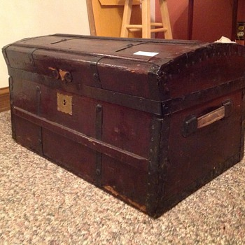Jenny Lind Trunk (I hope) - Furniture