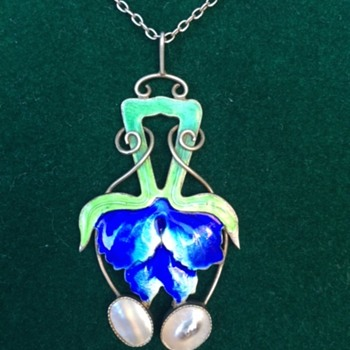 Arts & Crafts / Nouveau enamel pendant - Arts and Crafts