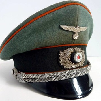 Third Reich visor cap of a Wehrmacht recruiting officer - Military and Wartime