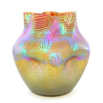 A 6-1/2 inch Loetz Argus vase