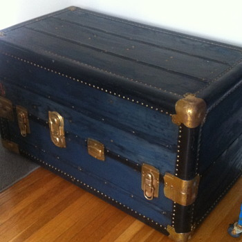 Insured trunk 1930 era? - Furniture