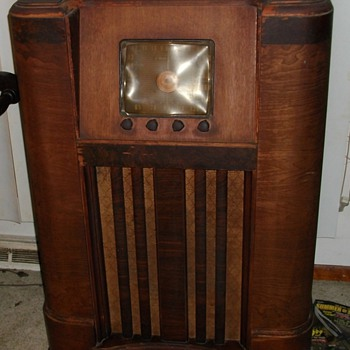 EARLY CROSLEY  RADIO I PICKED UP  MY FIRST RESTORE PROJECT - Radios